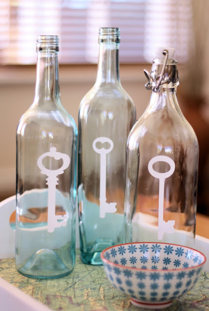 10 creative ideas for interior decorating with wine bottles - How to decorate glass bottles ...