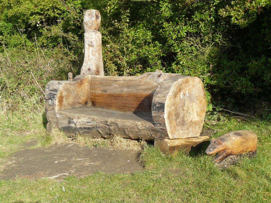 19 creative ways of turning logs and stumps into garden - Chair made from tree trunk ...