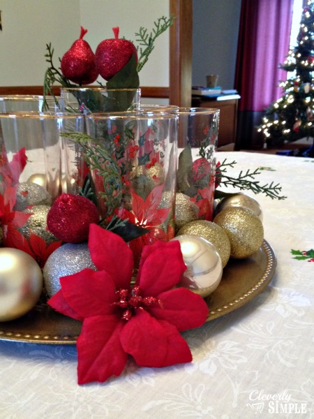 20 festive christmas centerpieces you can make yourself meaningful christmas centerpiece for 5 tutorial via cleverly simple solutioingenieria Gallery