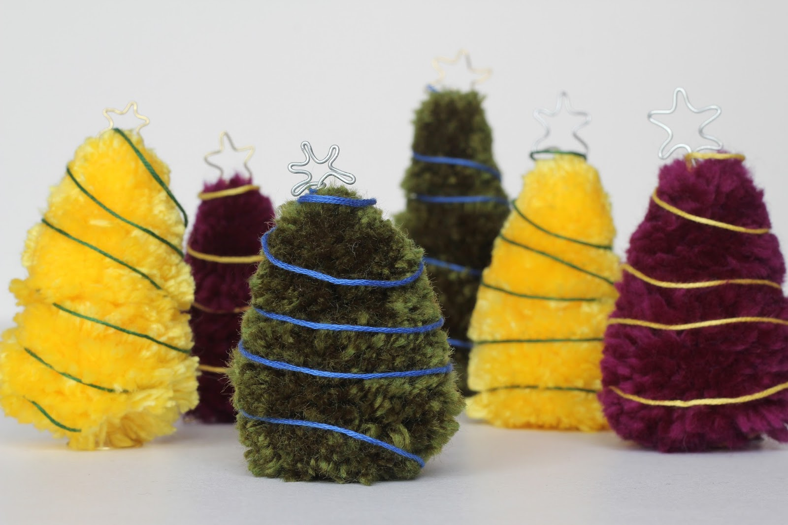 Mini Christmas Trees Out of Yarn Pom-poms & Wire