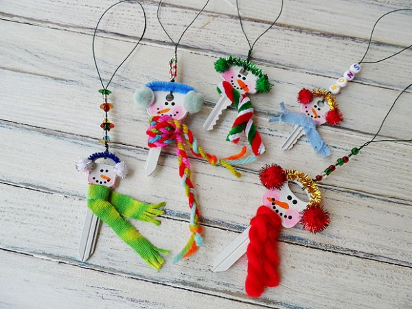5 recycled key snowman ornaments