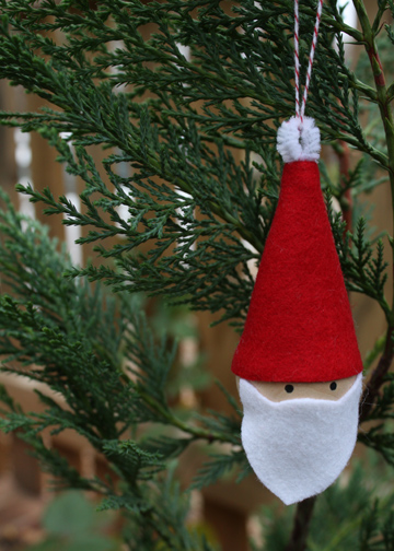 10-Minute Santa Ornament