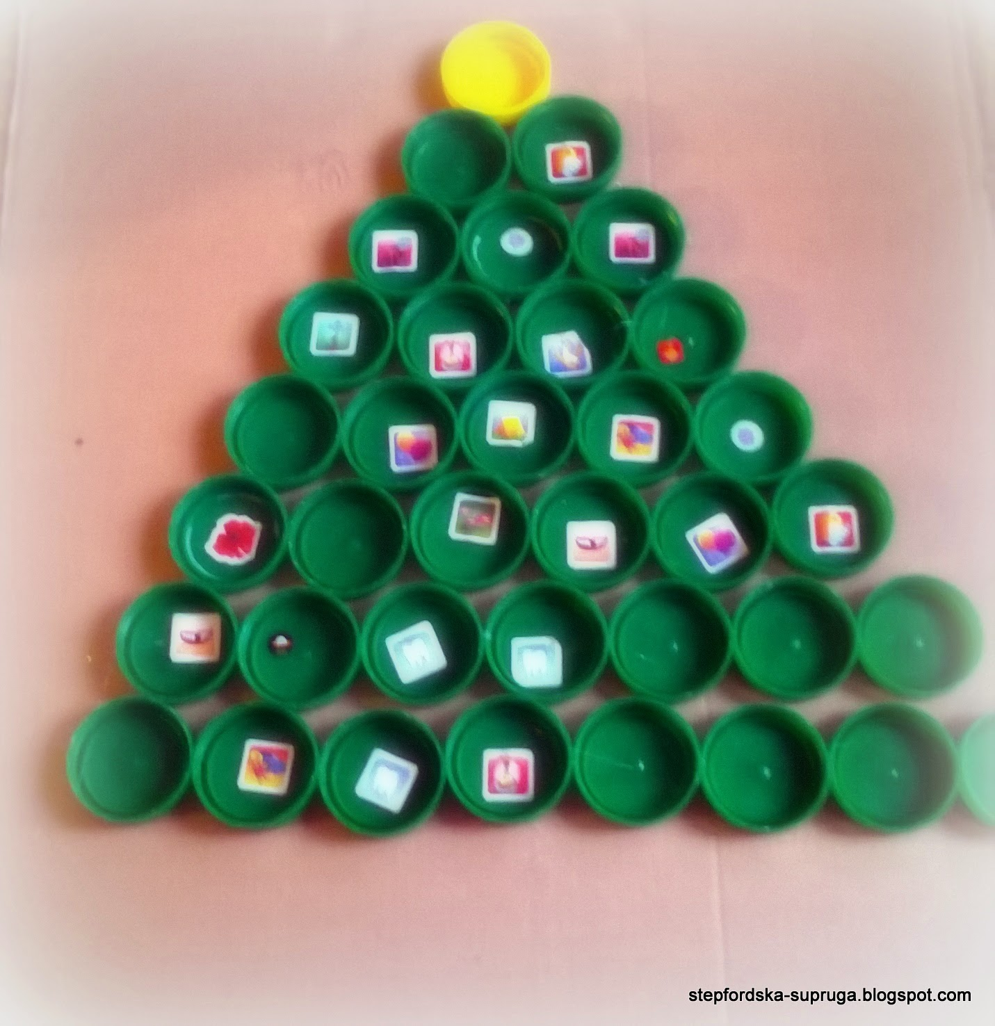 Bottle caps Christmas tree