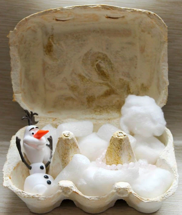 Frozen Egg Box Snow World