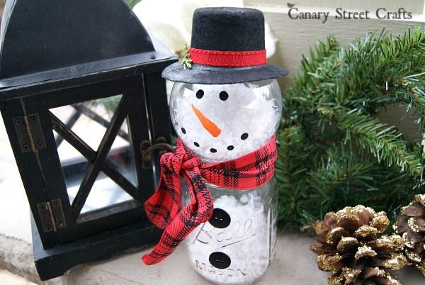 Make This Adorable Snowman Using a Mason Jar and a Clear Ornament