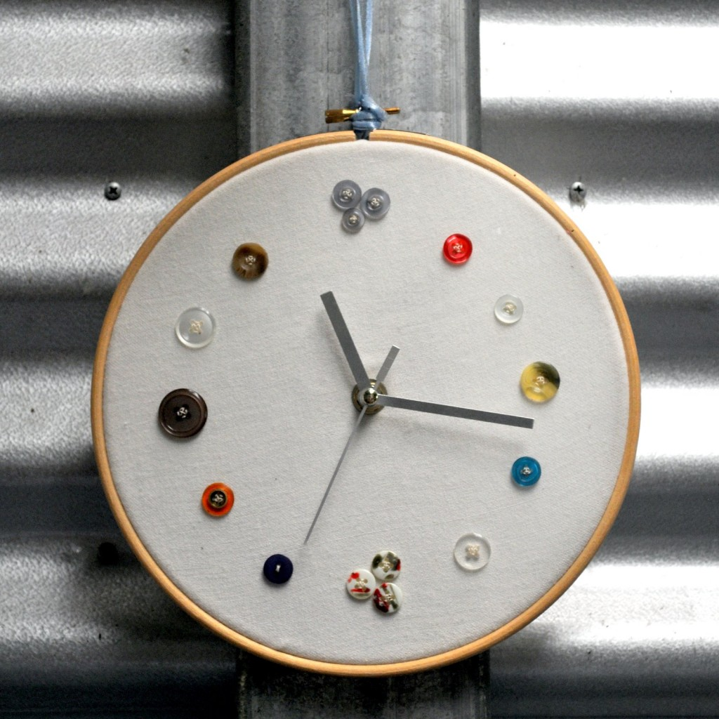Make a Clock Using Buttons