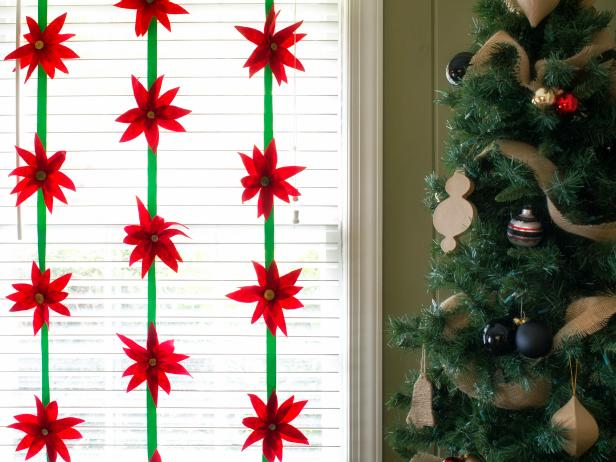 Make a Felt Poinsettia