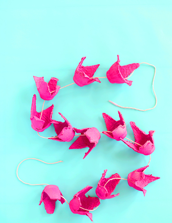 Make a beautiful flower garland with egg cartons and spray paint