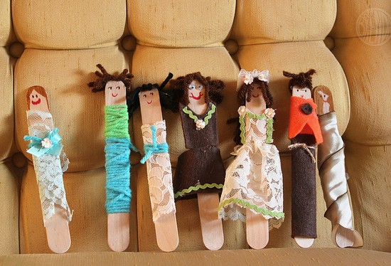 Make sticks dolls