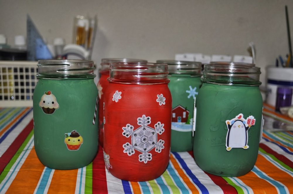 Painted Christmas Mason Jar Luminaries