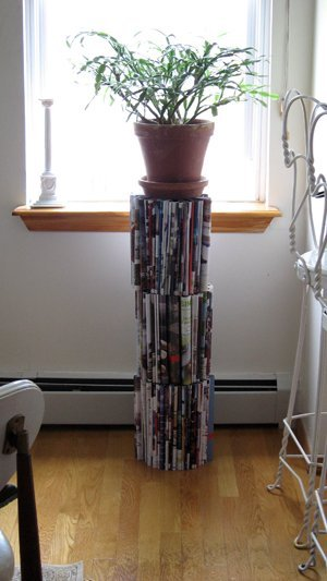 Repurpose some old magazines into a plant stand