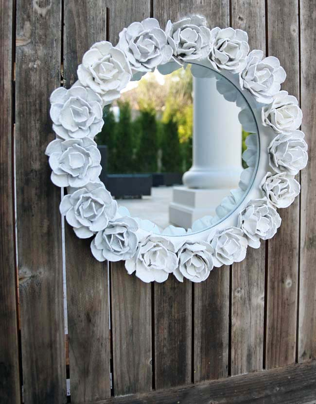 Use Egg Carton to decorate Your Mirror