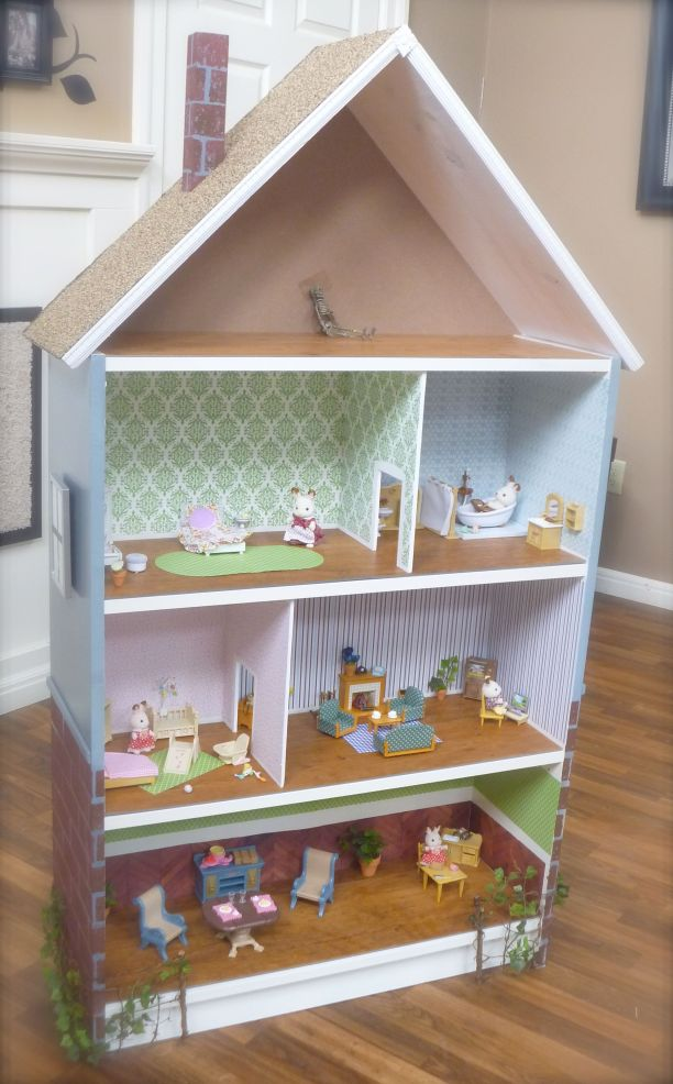 Bookshelf Turned into Doll House