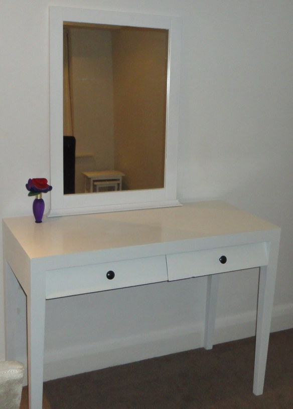 Classical White Dressing Table