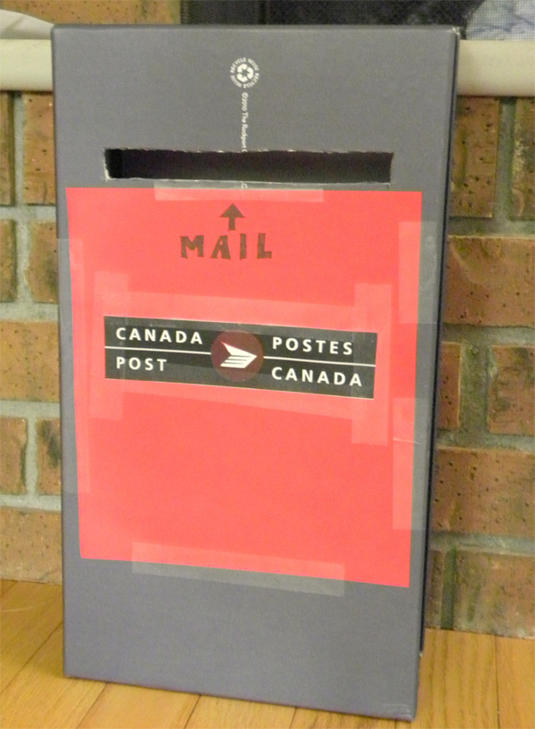make a mailbox out of an old shoebox