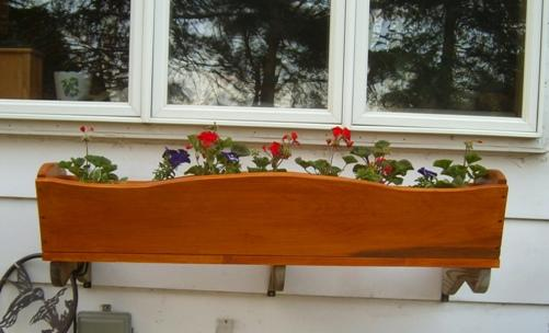 Simple window planter box