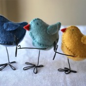 Adorable felt Easter chicks with wire legs