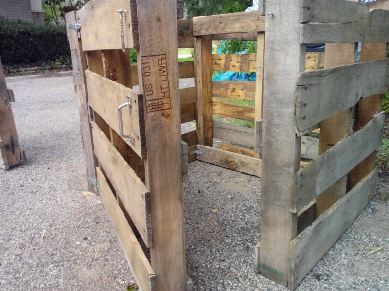 Compost bin made from wood pallets