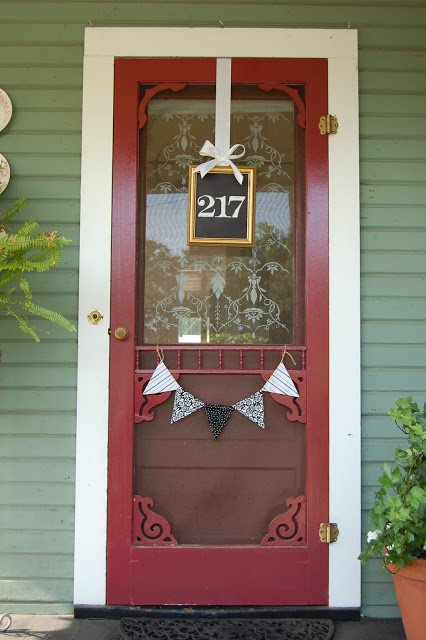 15 creative ways to display your house number for House number frames