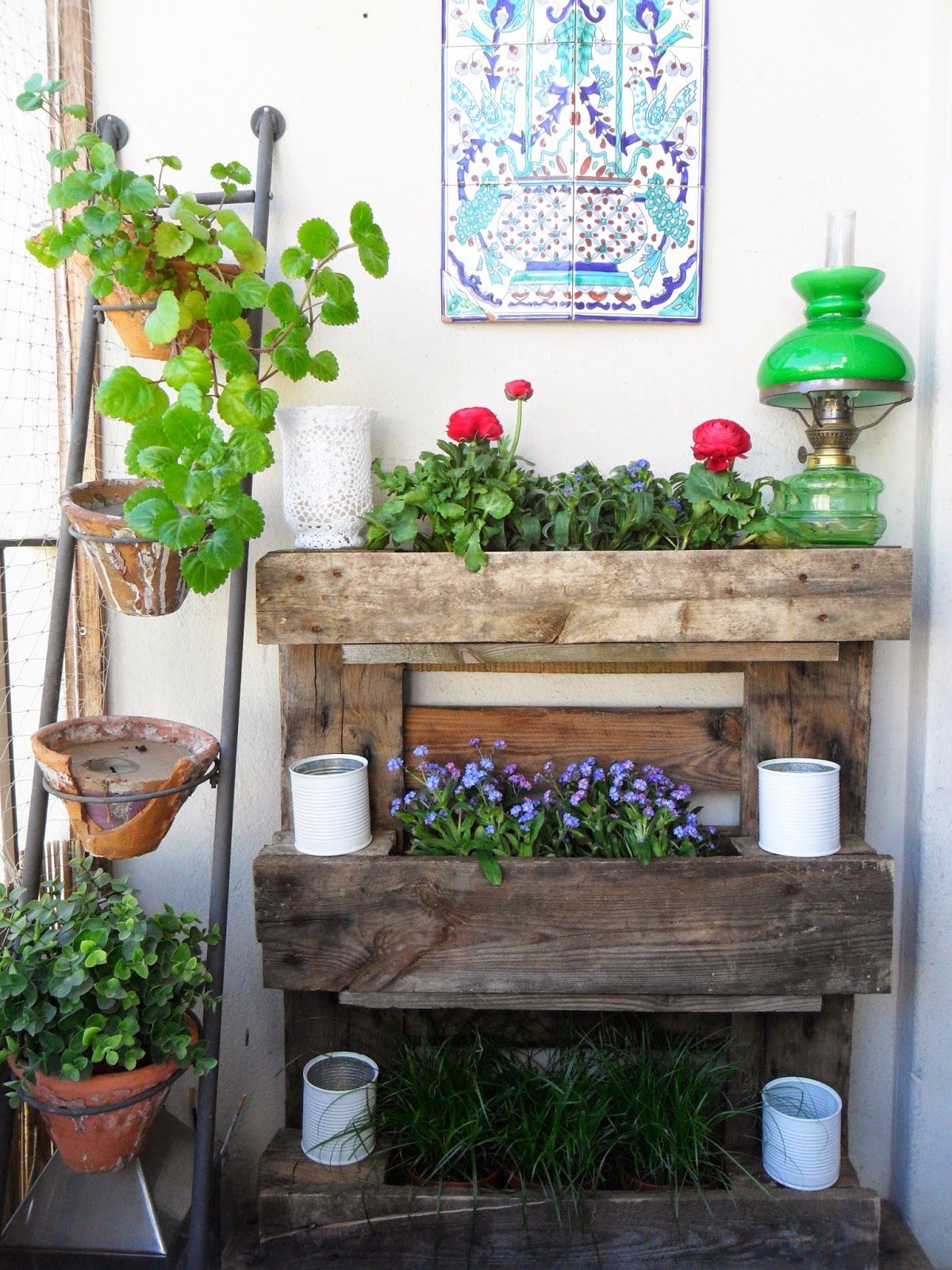 15 small garden ideas to grow in a limited space