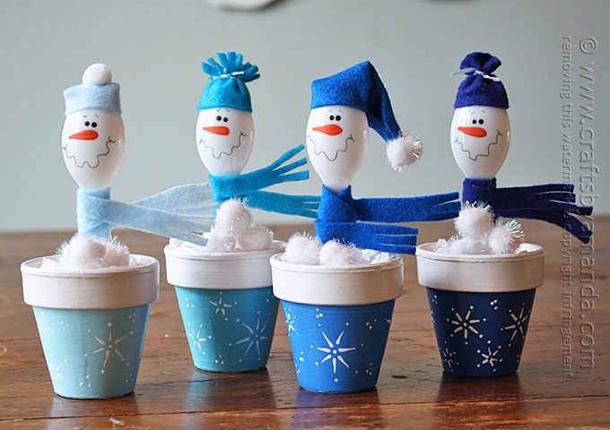 Make Adorable Snowmen from Plastic Spoons and Clay Pots