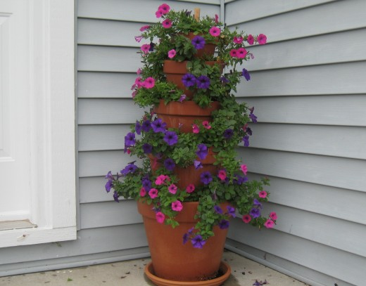 Make a Terracotta Pot Flower Tower