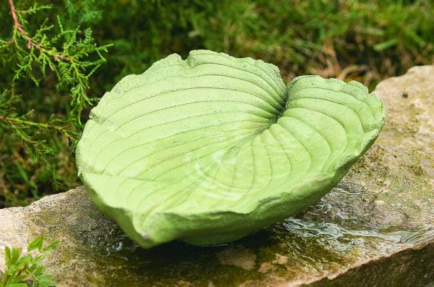 Make a decorative and unique leaf shaped bird bath