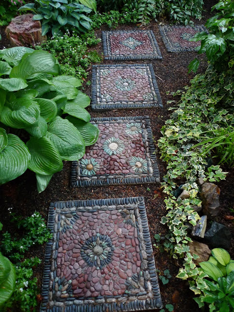 Make beautiful stepping stones that will give your garden a unique and unexpected focal point