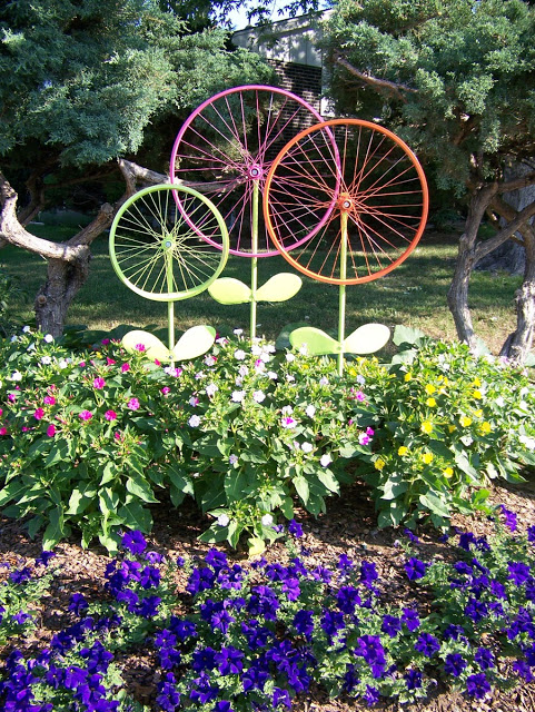 Make some giant flowers out of bicycle wheels