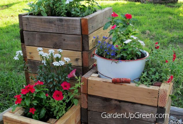 Planter boxes from reclaimed 2 x 4 pieces