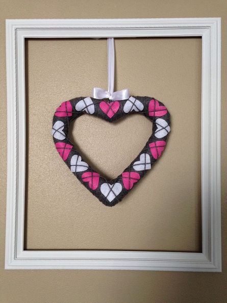 Simple And Sweet Argyle Valentine Heart Wreath