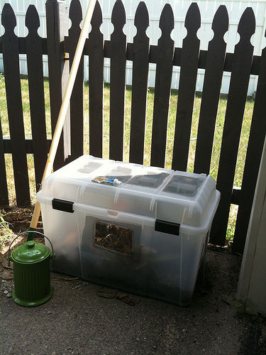Simple, Cheap Storage Container Compost Bin