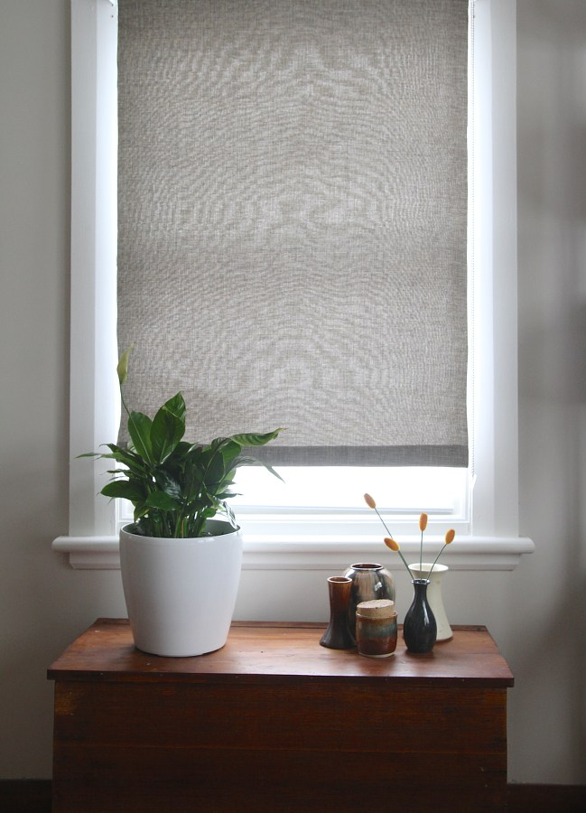 Simple Fabric Roller Blinds