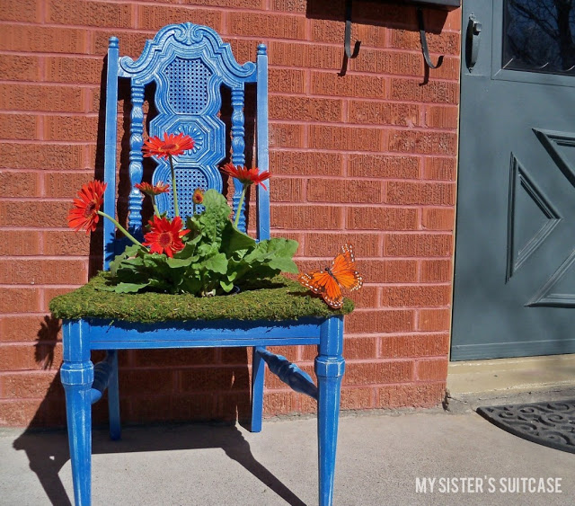 Use old wooden chairs to make some adorable planters for your yard