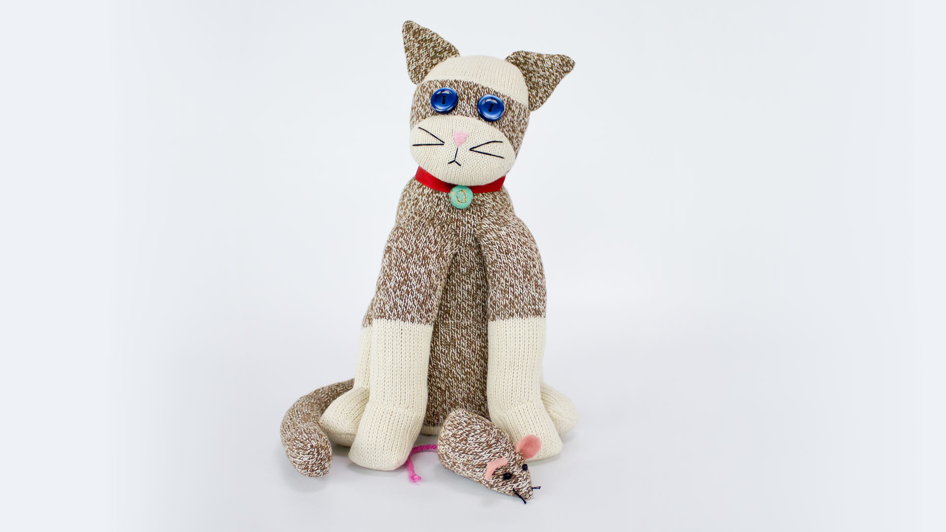 make an adorable sock cat