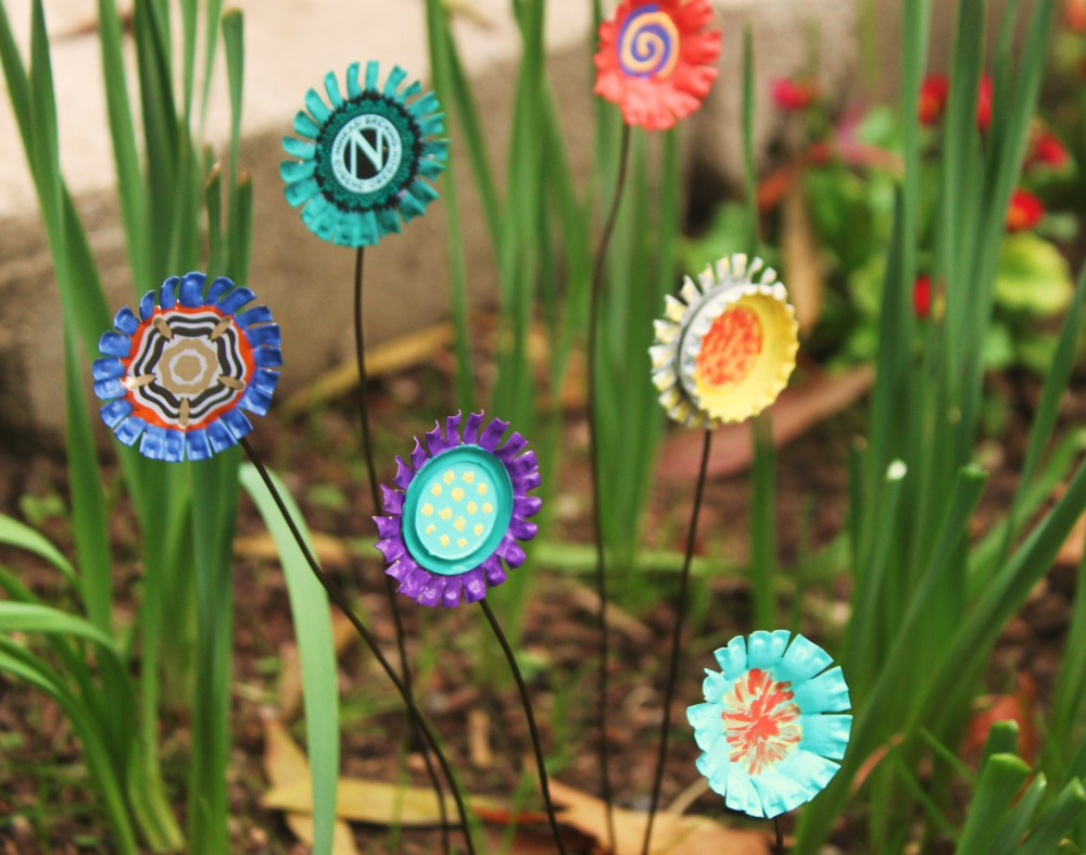 Art For The Garden: 15 Decorative DIY Accents That Will Make Your Garden Stand Out