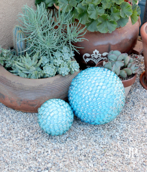 Gazing Balls with Glass Pebbles