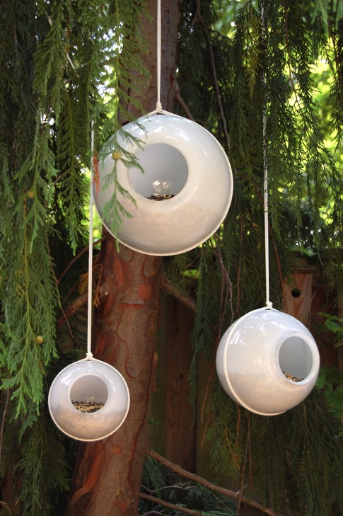 lamp globe birdfeeders