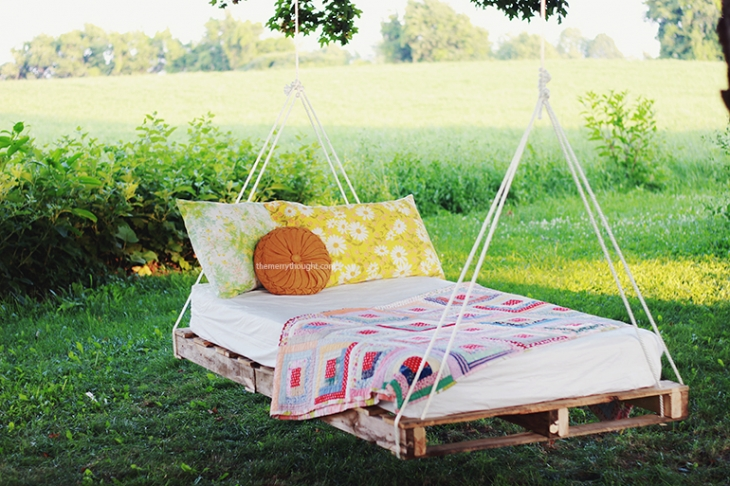 Pallet Swing Bed