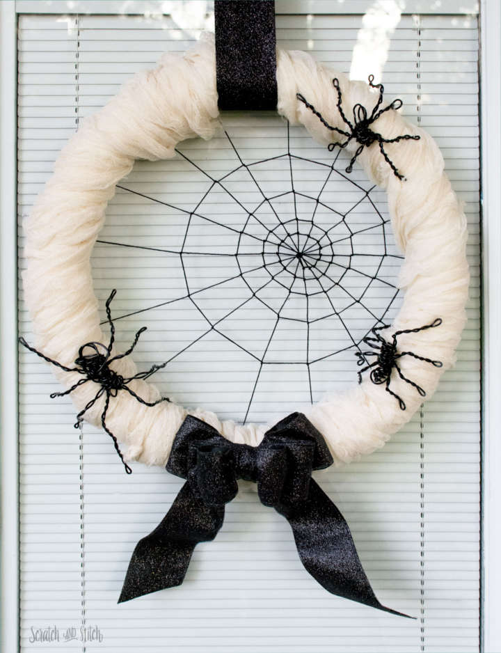 Spiderweb Halloween Wreath with Wire Spiders