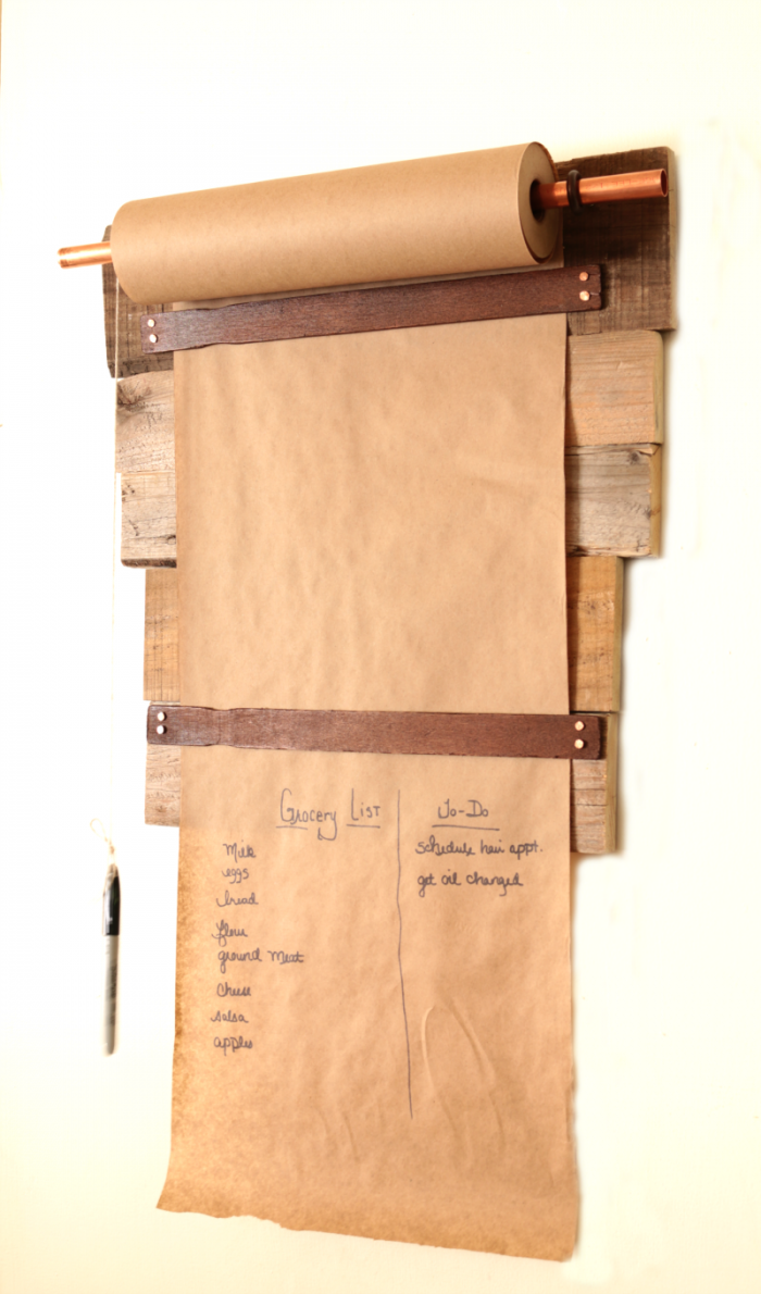 Farmhouse Style Pallet Wood Memo Board