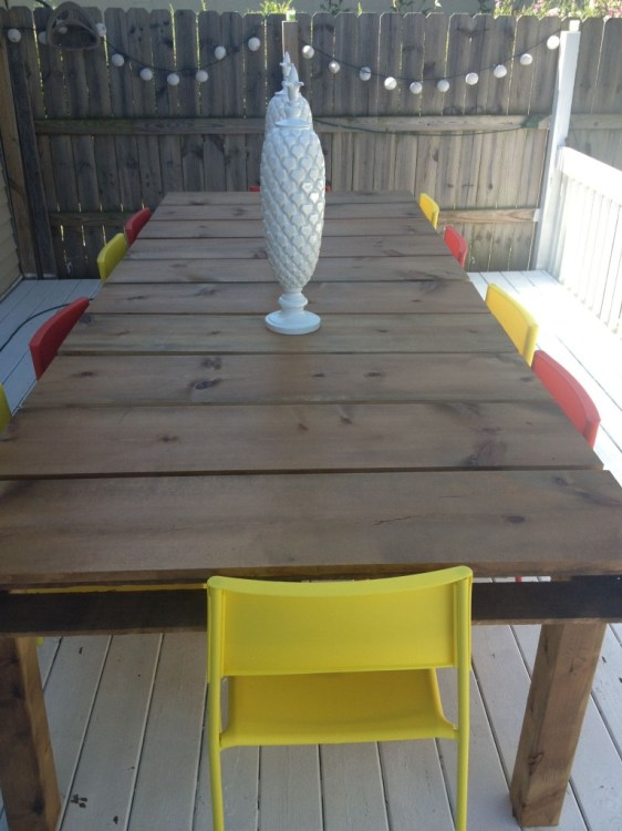 Outdoor Dining Table from Wood Pallets