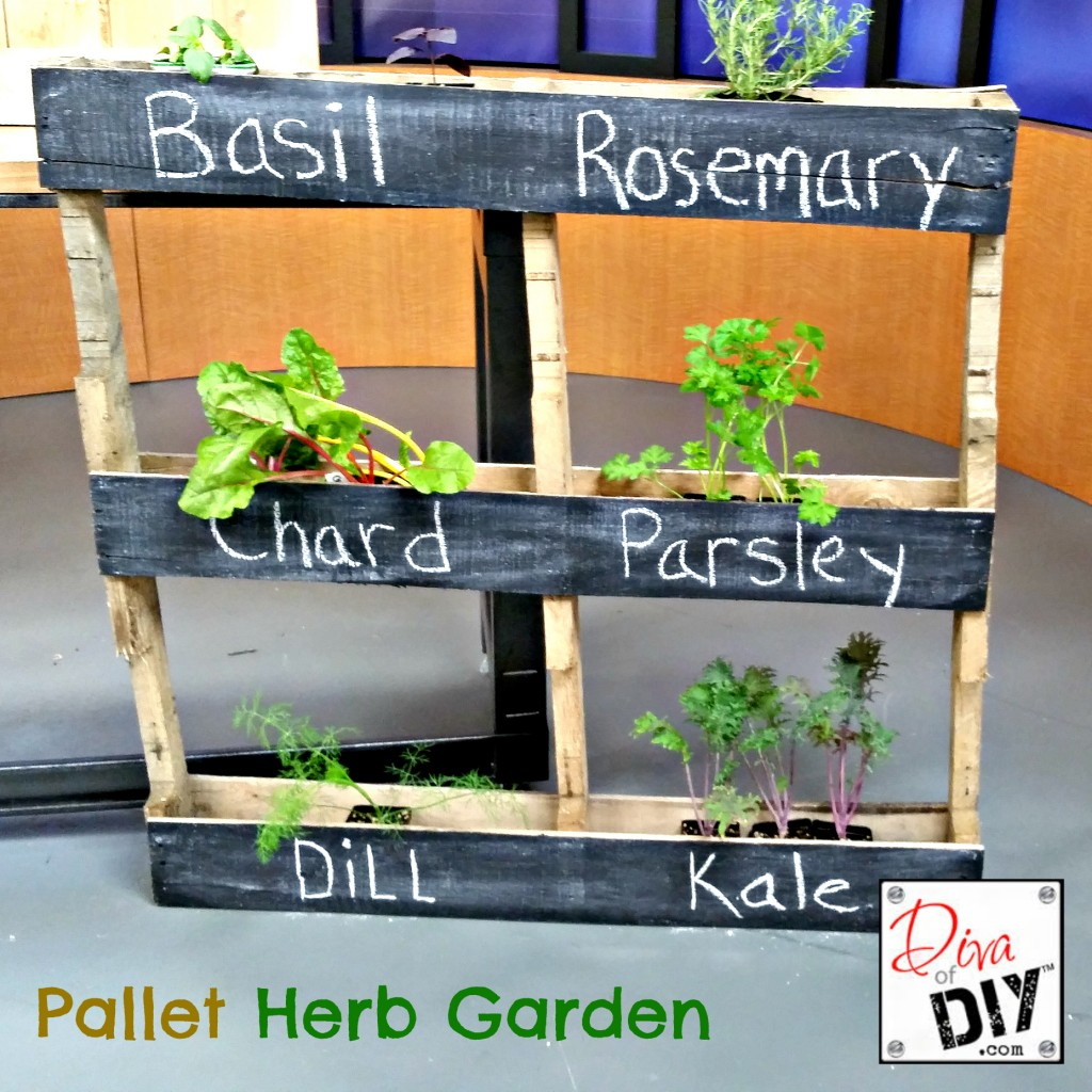 Junk Garden Ideas 2018 Edition: 30 Awesome DIY Pallet Projects With Tutorials