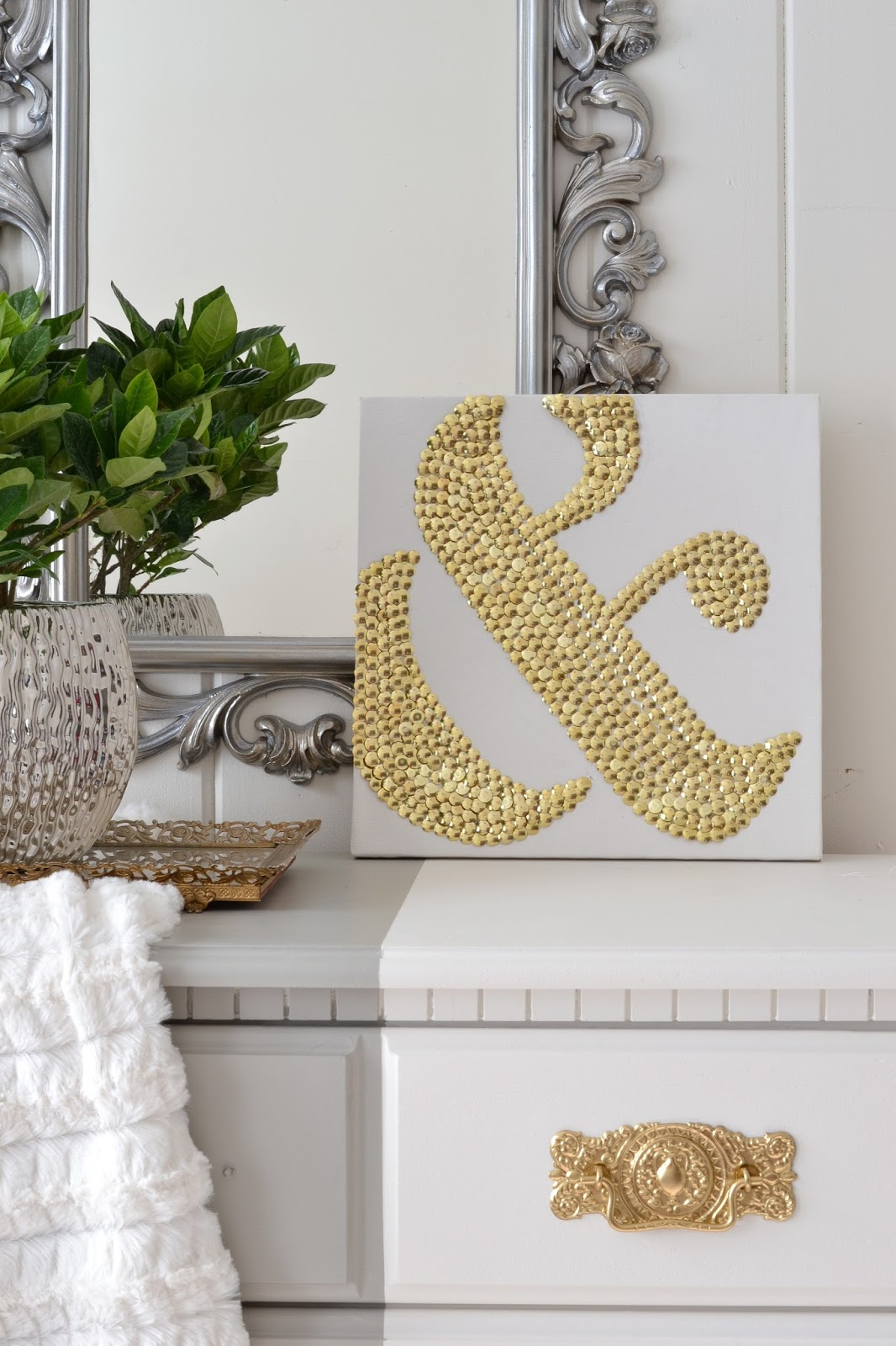 Ampersand Art Using Thumbtacks