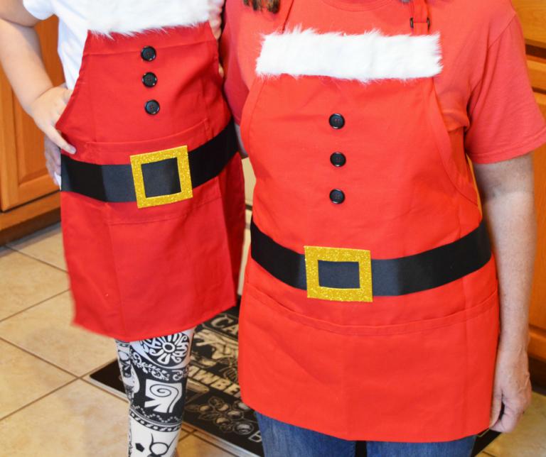 No-Sew Santa Aprons